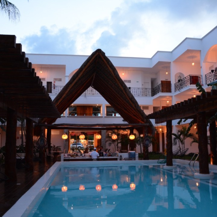 Travel with children kids mexico playa del carmen hotel hm