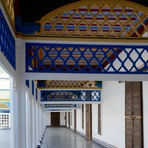 travel with children kids morocco marrakech bahia palace colours