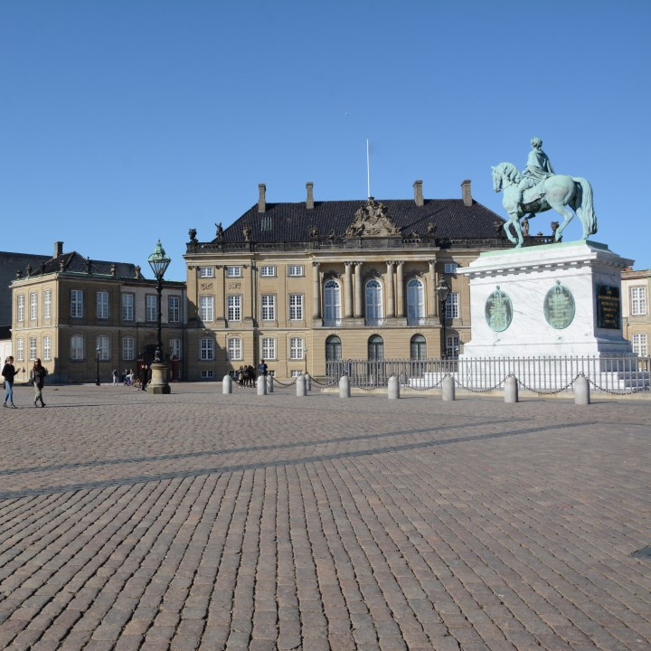 travel with kids children copenhagen denmark amalienborg palace square statue