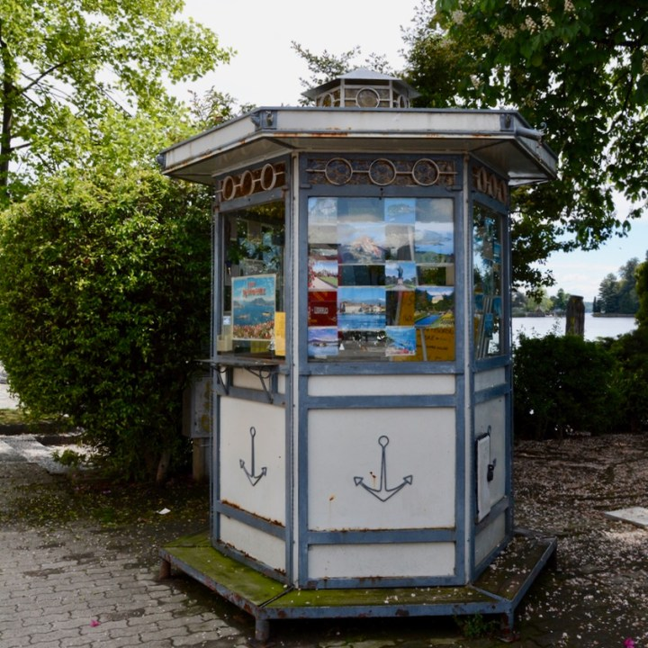 travel with kids children isola bella lago maggiore italy ticket booth
