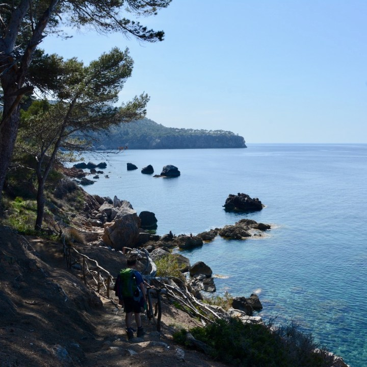 travel with kids children soller mallorca spain coastal hike ben's d'avall to cala deia walking trail