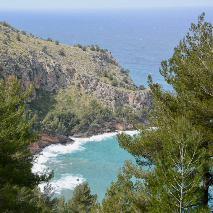 travel with kids children soller mallorca spain hiking cala tuent rough sea