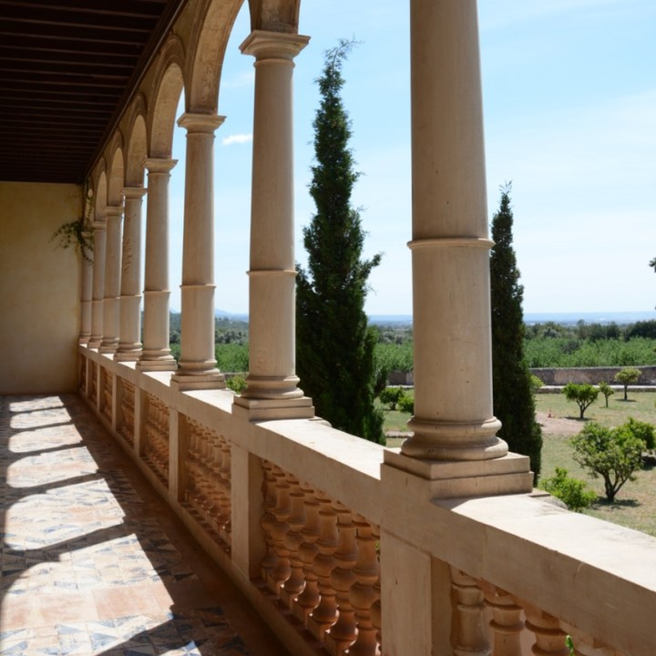travel with kids children mallorca spain raixa estate loggia