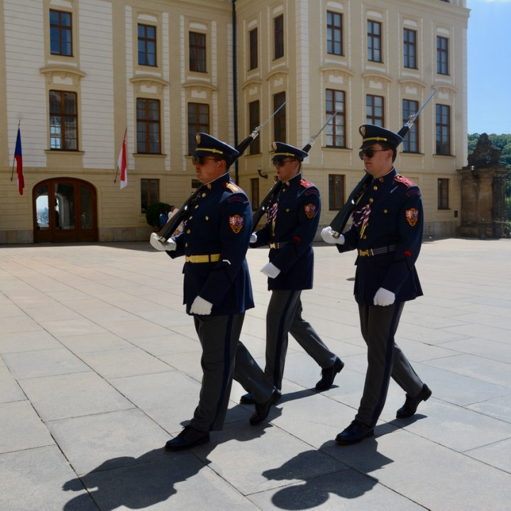 prague with kids guide palace changing guards