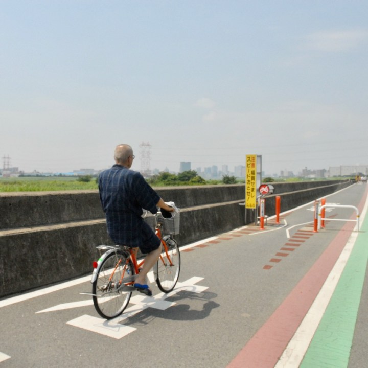 cycling the tame river tokyo japan with kids cyclist