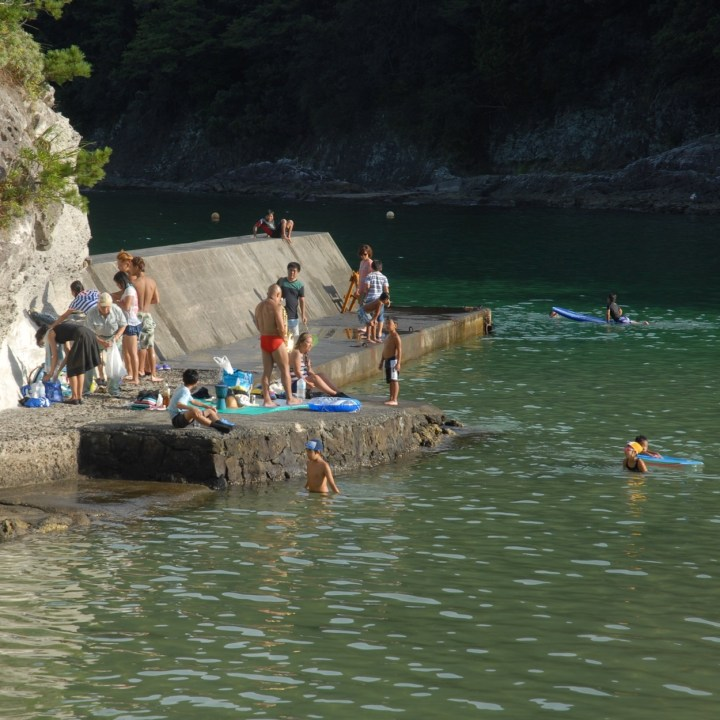 shimoda with kids izu peninsular nabetahama sun seeker