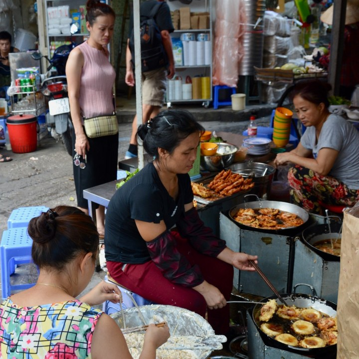 travel with kids vietnam hoi an food stall