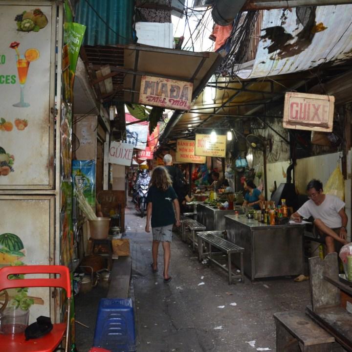 travel with kids vietnam hoi an street food