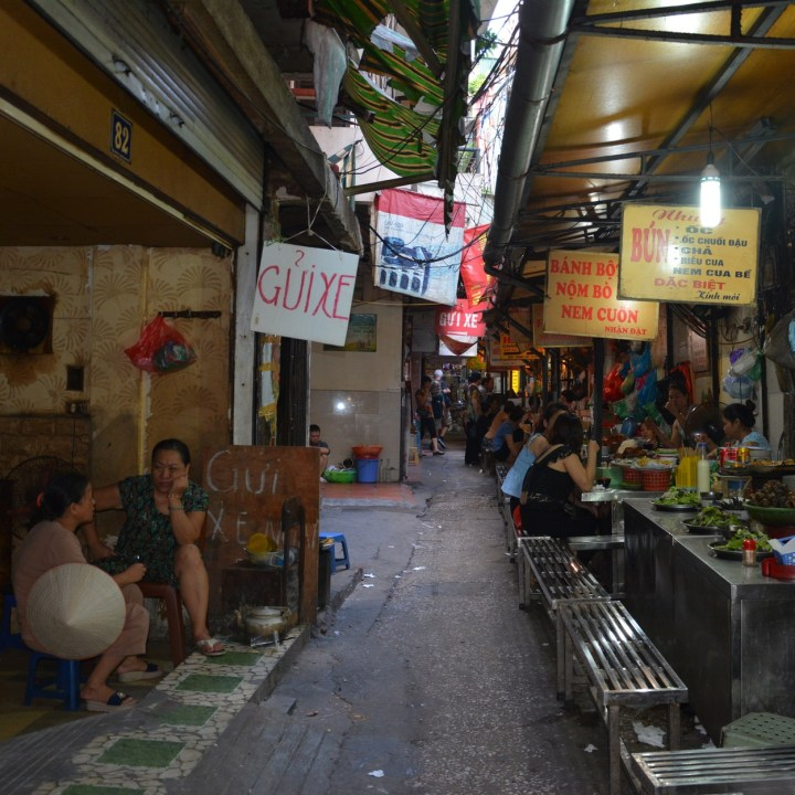 travel with kids vietnam hanoi street food