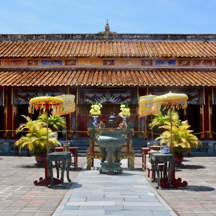 vietnam travel with kids hue citadel to mieu temple