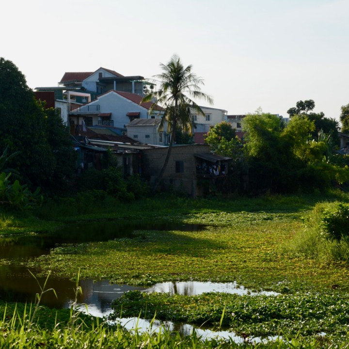 vietnam travel with kids hue pond