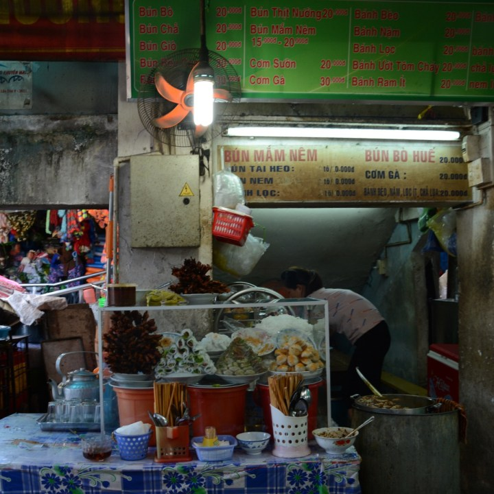 vietnam with kids hue market eatery