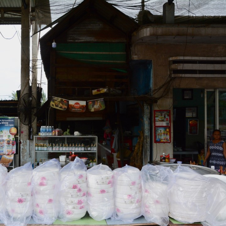 vietnam travel with kids da bac village pho bowls