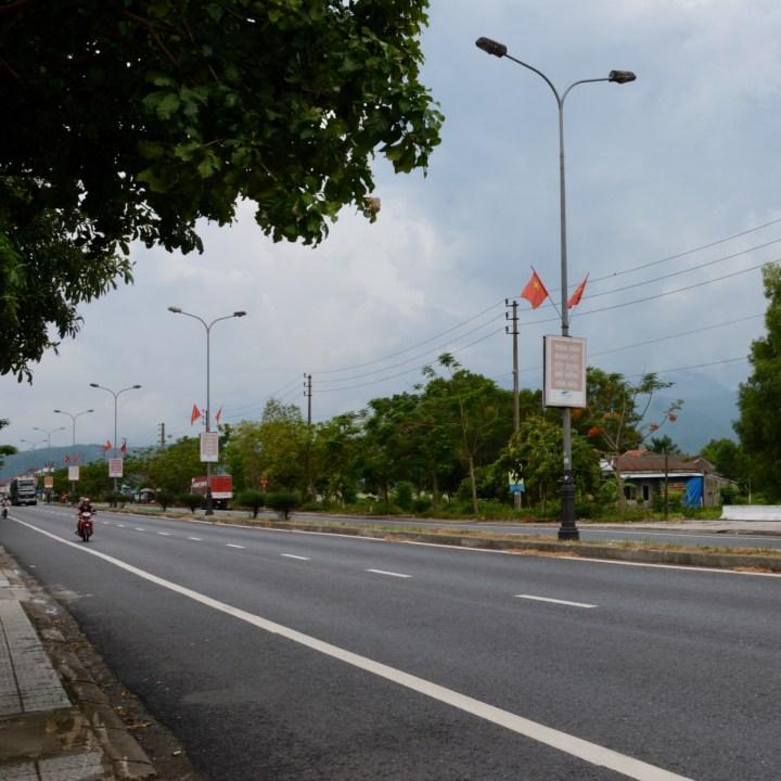 vietnam travel with kids da bac village street