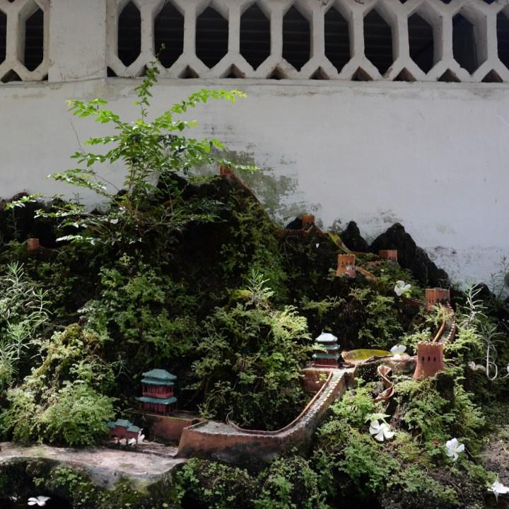 vietnam with kids hoi an phuoc kien mini temples