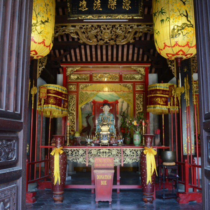 vietnam with kids hoi an phuoc kien altar