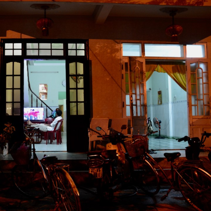 hoi an by night with kids tv