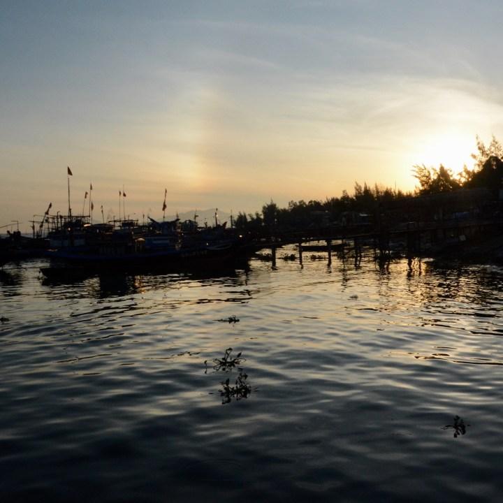 photo tour vietnam hoi an sunrise