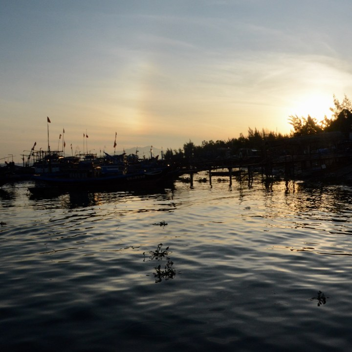 photo tour vietnam hoi an sunrise