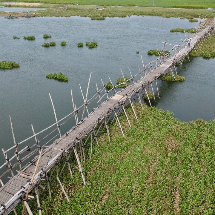 travel with kids vietnam hoi an bamboo bridge