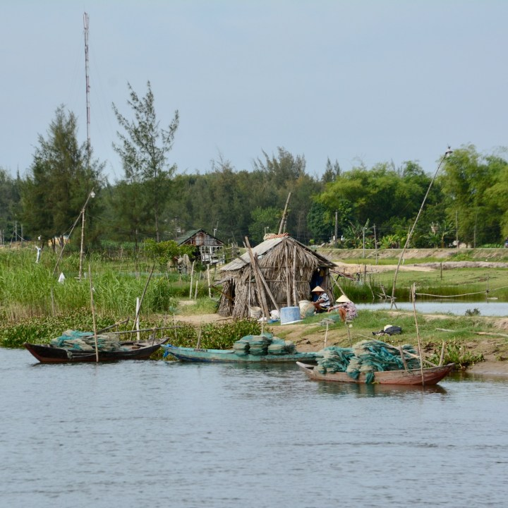 travel with kids vietnam hoi an bamboo bridge fishermen
