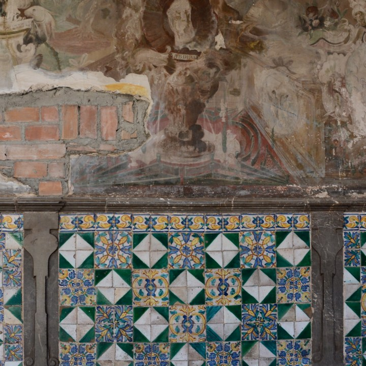 granada with kids tiles