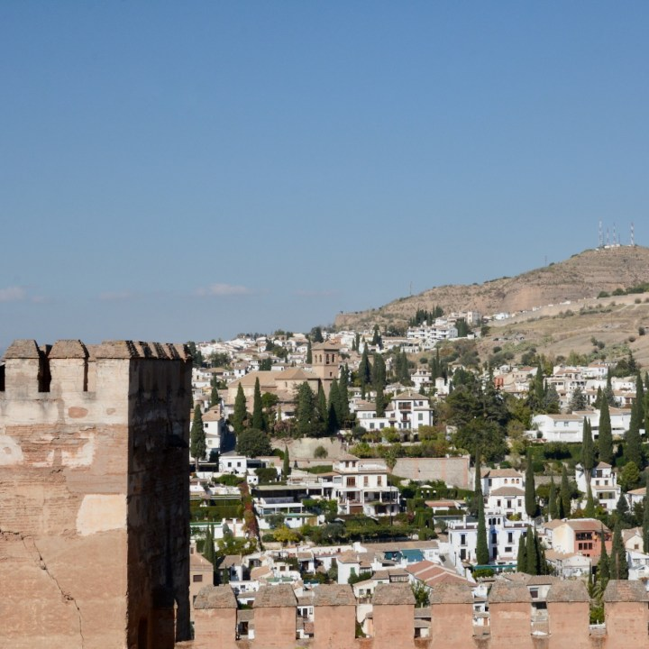 alhambra with kids nasrid palace albaicin views