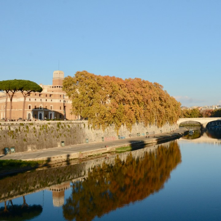 Rome with kids river side