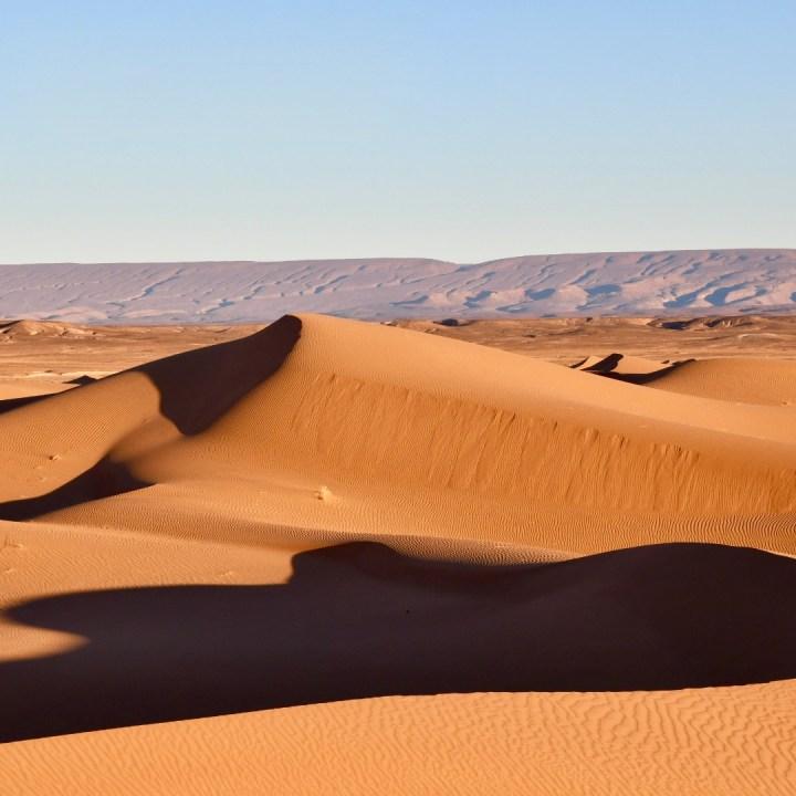 La Kahena luxury camp Erg Chigaga Sahara mountains