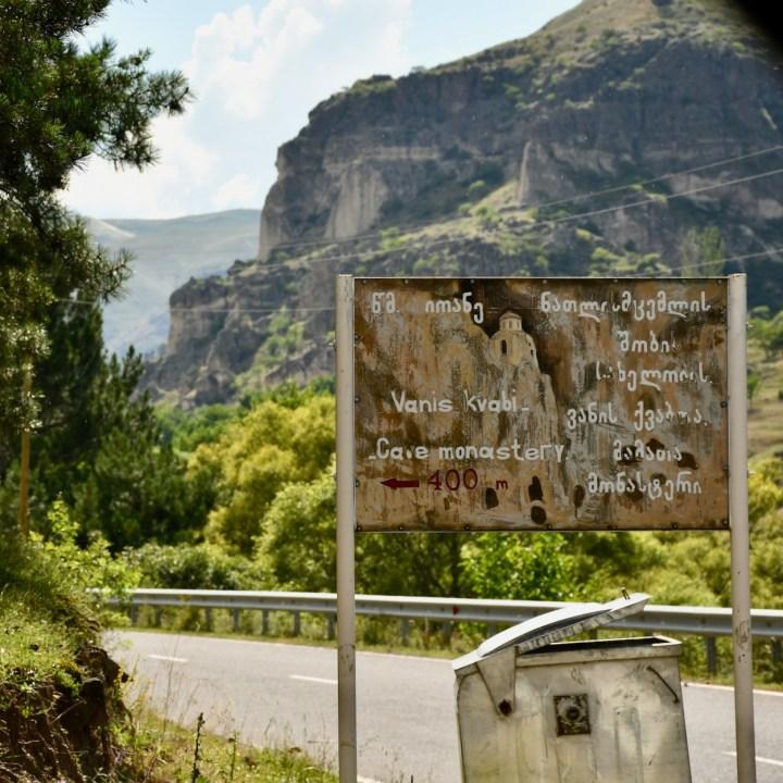 Vanis Kvabebi Cave Monastery sign post