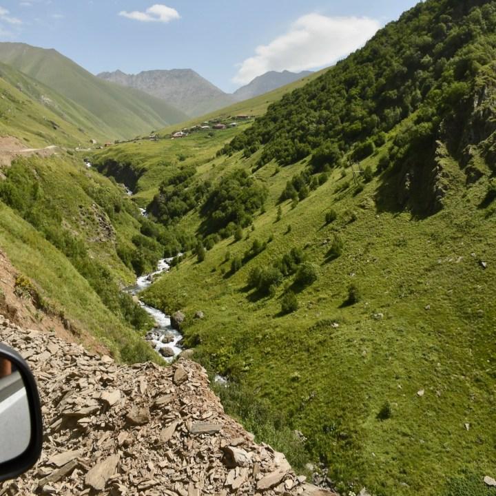 Juta hike mountain road