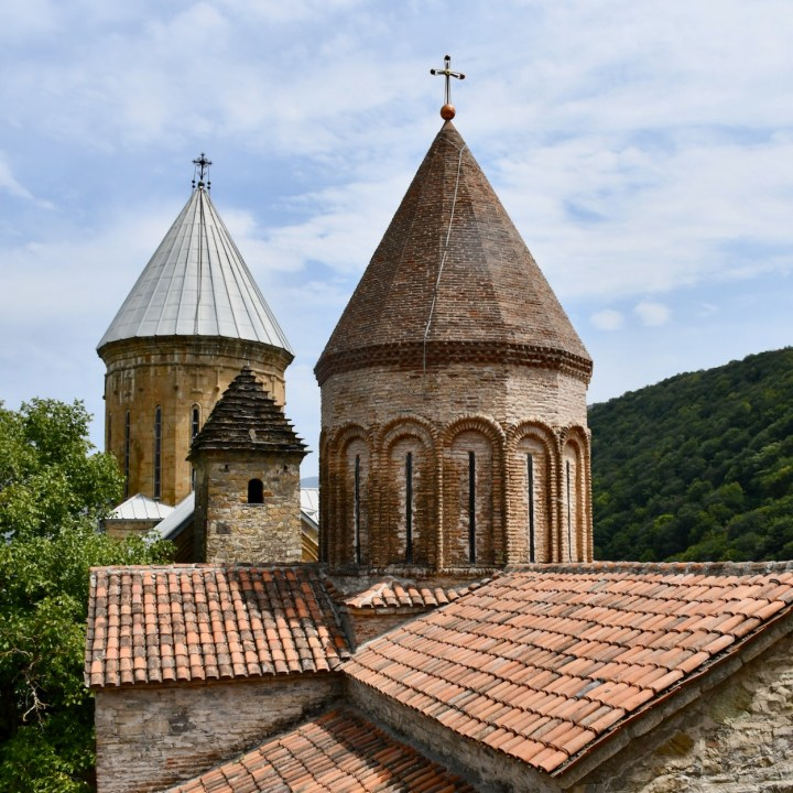 Ananuri church Georgia rooftop view