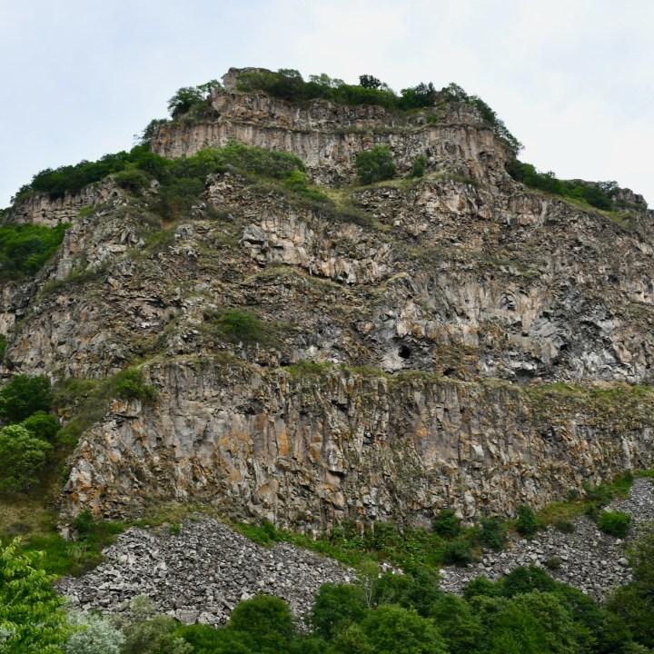 Dashbashi canyon cliffs