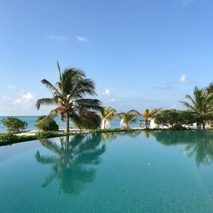 Lux South Ari pool