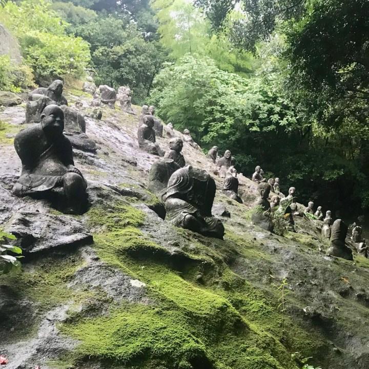 Reigandoji stone statues view