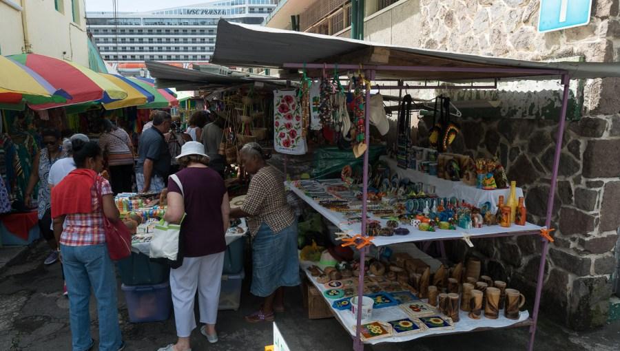 Tourimarkt in Roseau