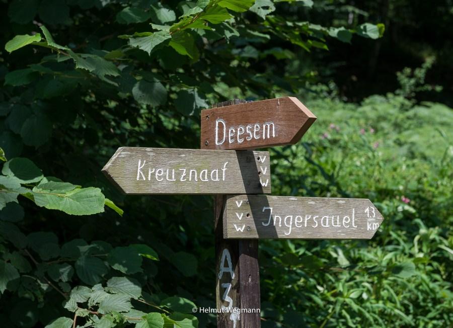 Wegweiser im Naafbachtal