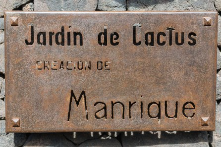 Schild am Eingang des Geländes