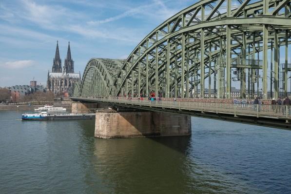 Dom mit Hohenzollernbrücke