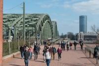 Völkerwanderung auf der Hohenzollernbrücke