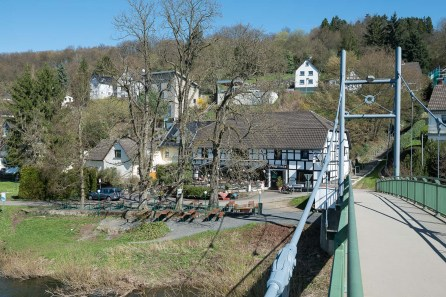 Siegbrücke mit Gasthaus