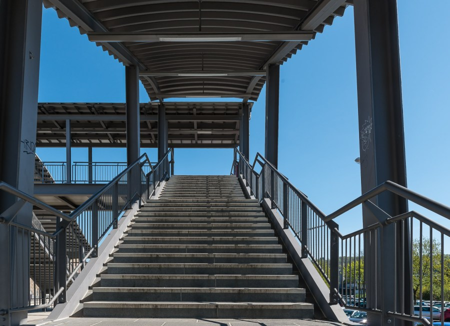 Treppe am Bahnhof