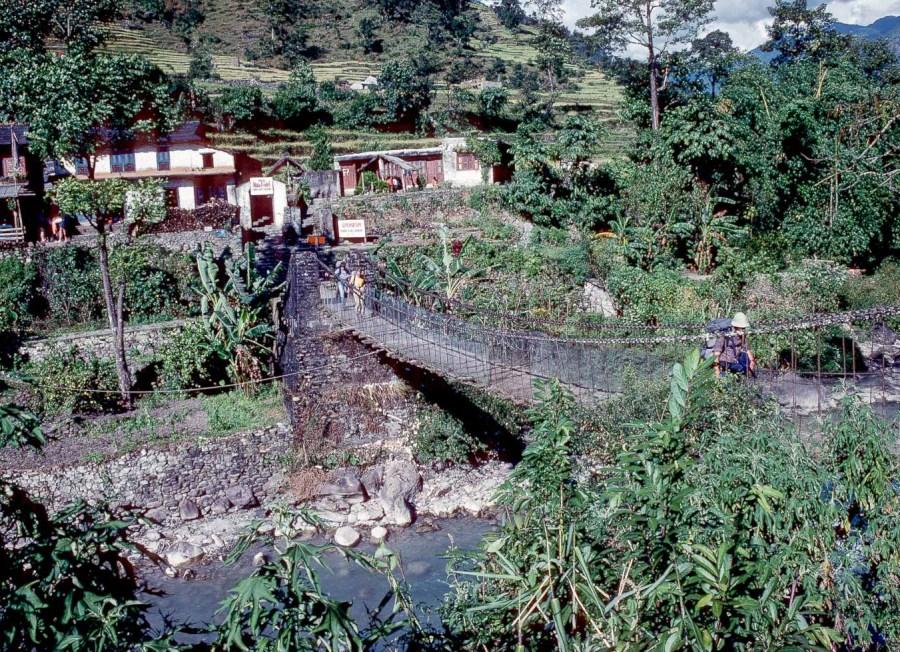 Hängebrücke im Jomosomtal