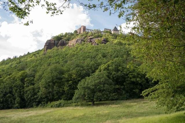 Burg Nideggen vom tal aus