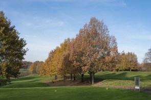 Am Golfplatz entlang