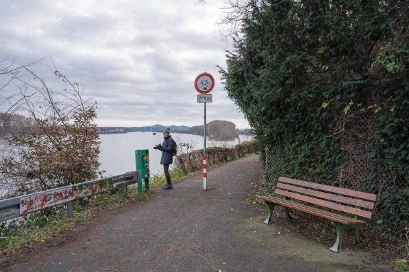 Hier gelangten wir an den Rhein