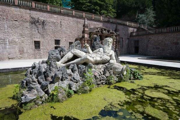 Vater Rhein im Schlosspark