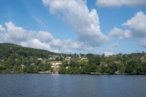 Blick über den See vom Radweg aus