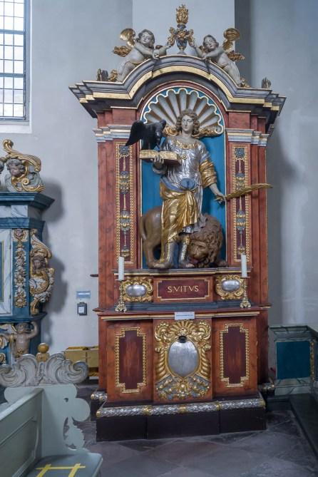 Im Innern der Kirche