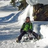 Yeti Attraction Daunenjacke im Schnee